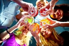 Publishers Clearing House -   Having a party this weekend? This delicious recipe for a Pomegranate-champagne punch will be a hit! http://bit.ly/PerfectPartyPunch_FB