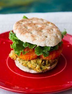 7 different veggie burgers to try now!