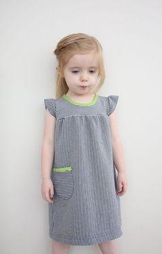 Cute dress tutorial.  If I am feeling like working with knits.  #sammy