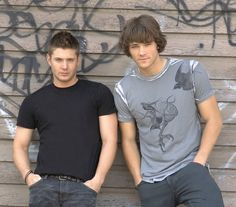Jensen Ackles and Jared Padelecki...from the first or second season. So cute!