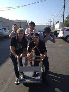 IM5 air driving! Take the pledge to not text and drive now! You can also take a photo of you and your friends air driving, and enter it to win a chance to be in an issue if Teen Vouge!!!