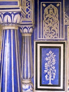 Blue and White at the Amber Palace in Jaipur