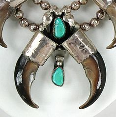 Authentic Native American Navajo Vintage Bear Claw necklace