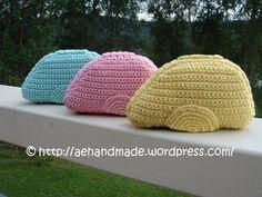 Crocheted Swedish Candy Caravan - free crochet pattern / Gratis mönster på virkad Ahlgrens originaldel husvagn http://aehandmade.com/wp-content/uploads/2010/05/Virka-Ahlgrens-originaldel.pdf