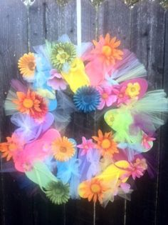 Cute flip flop wreath idea...