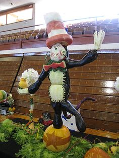 Lifesize Food Art - Cat in the Hat food sculpture hat food, food sculpture, cat, lifes food, food art