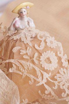 carrickmacross lace, needl lace, antiqu laceetc, beauti exampl, half doll