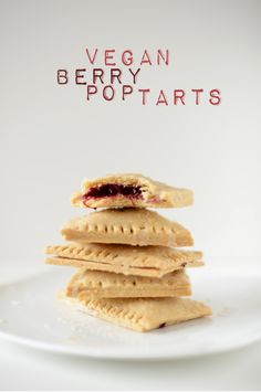 Vegan Berry Pop Tarts | Minimalist Baker .... because the kids (mom) needs a yummy breakfast, right? ;)