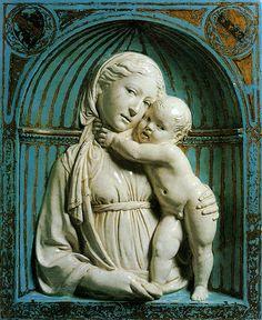 Luca della Robbia - Vierge à l'enfant, 1445-1450, New York, Metropolitan Museum of Art  ArtExperienceNYC  https://www.artexperiencenyc.com/social_login/?utm_source=pinterest_medium=pins_content=pinterest_pins_campaign=pinterest_initial