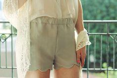 diy scalloped shorts, sew, cloth refashion, diy fashion, finalscallop craft, diy short, scalloped shorts pattern, diy cloth, scallop short
