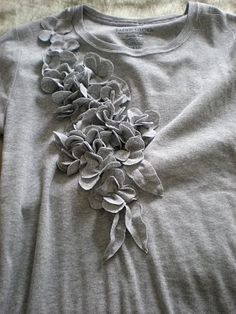 Ruffled Flower T-Shirt DIY