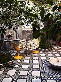 Stunning Moroccan Courtyard. Look at that incredible floor. Moroccan design, Moroccan decor