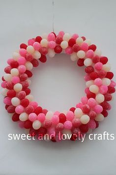 Craft-O-Maniac: Favorite Valentine Wreaths