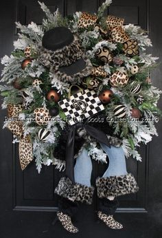 "Shopping Diva Winter-Christmas Wreath - ""Christmas Hat n' Boots Collection©"""