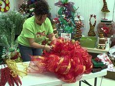 How to make a work wreath.