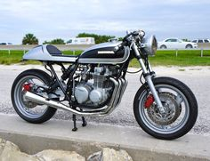 Honda CB550 Cafe Racer by Steel Bent Customs   Moto Rivista