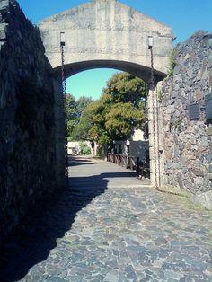 Puerta de la Ciudad Vieja de Colonia del Sacramento, Colonia, Uruguay - Uruguayuruguay.com