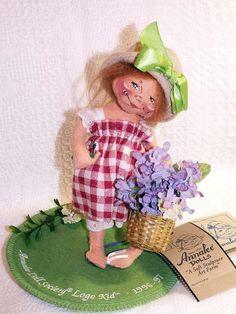 "Annalee Dolls LITTLE MAE FLOWERS Logo Kid 1996-97 Artist Doll 9660 With Tags 7"""