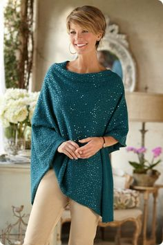 The Sparkle Poncho - A shimmering, luminescent effect