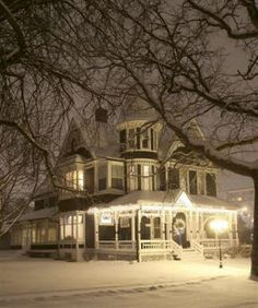 perfect Christmas Victorian home