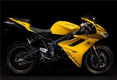 Triumph Daytona Super III pays homage to the original 1994 Daytona