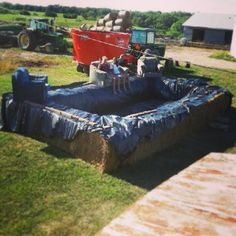 DIY pool bale bales hay summer lounge