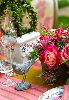 garden party tablescape