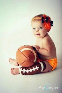 Football fashion ideas for girls - show your team spirit!