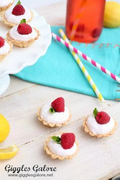 Summer Berry Mousse Tarts | @gigglesgalore