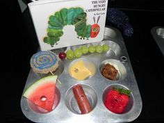 VHC lunch trays muffin tin meals, muffins, fun lunch, foods, muffin tins, hungry caterpillar party, caterpillar parti, kid lunch, hungri caterpillar