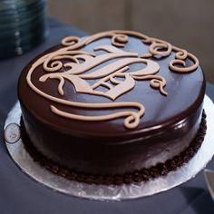 big cakes, letter, flavor cake, groom cake ideas, grooms cakes ideas, grooms cake ideas