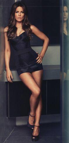Kate Beckinsale. great pose