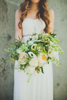gorg bouquet http://www.weddingchicks.com/2014/01/30/san-diego-urban-wedding-by-teale-photography/