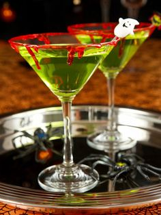10 Hauntingly Good Halloween Cocktails