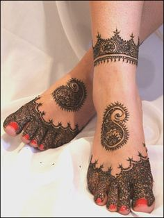 Bridal Foot Mehndi designs - Latest Wedding mehndi Designs 2011 - Pakistan latest fashion -