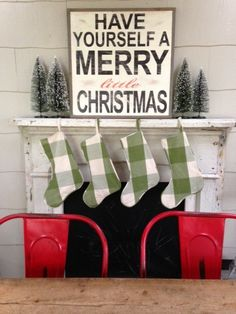 A Whole Bunch Of Beautiful Christmas Signs - Christmas Decorating - #Christmas #signs