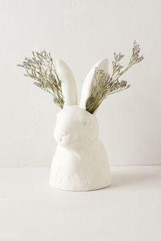 Cholet hollow rabbit vase
