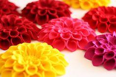 Felt Flowers - Felt Dahlia Pin tutorial