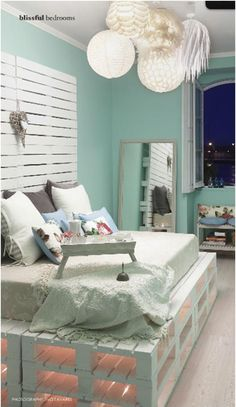 Let's see if we can make this DIY daybed happen! (For the -guest room/office/art room).