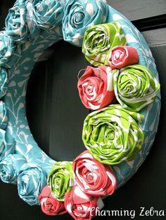 guirlanda de flores de tecido