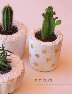 White Cement DIY Flower Pot-Creative DIY Flower Pot Ideas
