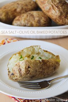 Sea salt and olive oil baked potatoes from The Baker Upstairs. So simple and easy to make! The perfect baked potato. www.thebakerupstairs.com