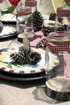 Cute jars table settings, table decorations, camp parti, place cards, theme parties, camping theme, camping places, mason jars, parti idea