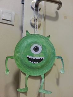 Monsters U: Mike Wazowski Paper Plate Craft.  Most definitely doing this with Cooper!! :) kids monsters, learning crafts for toddlers, monsters university crafts, paper plates crafts, paper plate crafts for kids, little monsters, kids crafts paper plates, monster craft, paper plate monsters