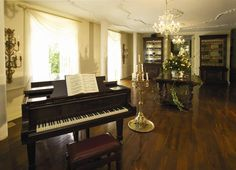 Illyria House Boutique Hotel & Spa Pretoria South Africa. Music Recitals by world class musicians surprise guests regularly. The piano is an exquisite German Concert Grand Steinway. What a treat!