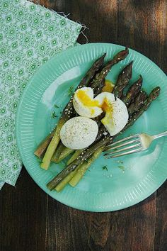Marinated Asparagus and a Five-Minute Egg - South Beach Diet