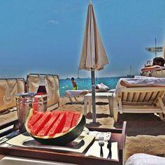 Watermelon & rosé at the Carlton beach (via @ahadii_)