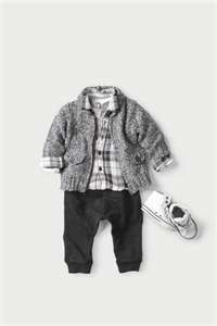 Boys are so hard to shop for...mostly because baby clothes lack style.  This is a cute boy outfit!