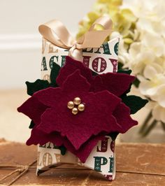 Poinsettia Pillow Box by Ashley Cannon Newell for Papertrey Ink (September 2012)