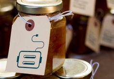 Shawn Allen and Andrea Nelson Wedding favors: jam with toaster tags